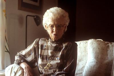 1985-12 Vera Holcomb