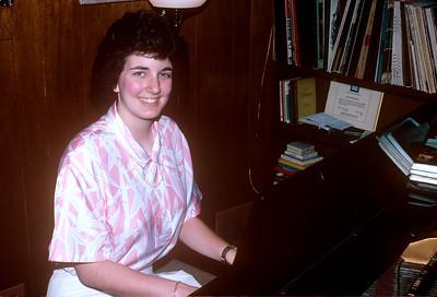 1988-06 Bonnie Piano Recital Bonnie At Piano