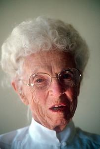 1990-01 Vera Holcomb