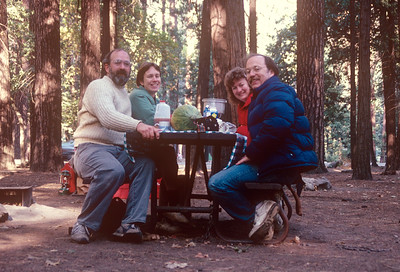 1989-09 John, Chris, Ann & David Lipton in Yosemite
