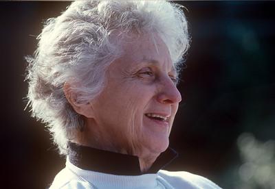 1989-11 Jeanne Ricca