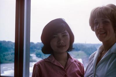 1964-06 Sue Ricca & Wilai at Niagra Falls
