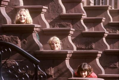 1976-03 Bonnie, Pam & Gretchen