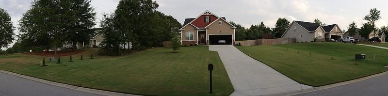 Panorama Front Yard 02
