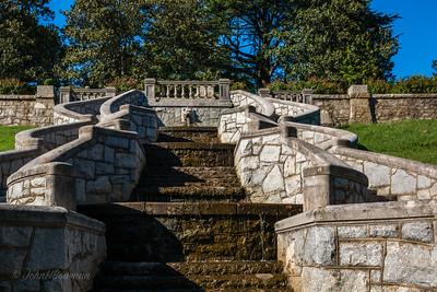 Lion-head Fountain in Italian Garden Wall