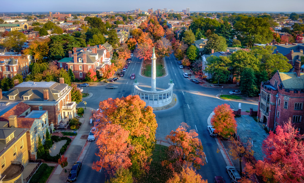 Autumn on Monument