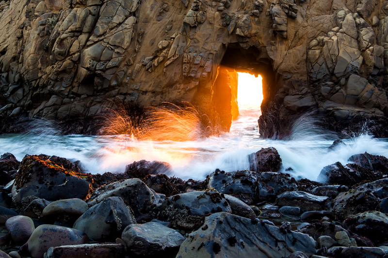 pfeiffer beach keyhole sunset