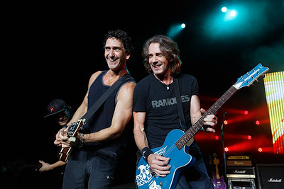 Rick Springfield live at Freedom Hill 8-11-16.  Photo credit: Ken Settle