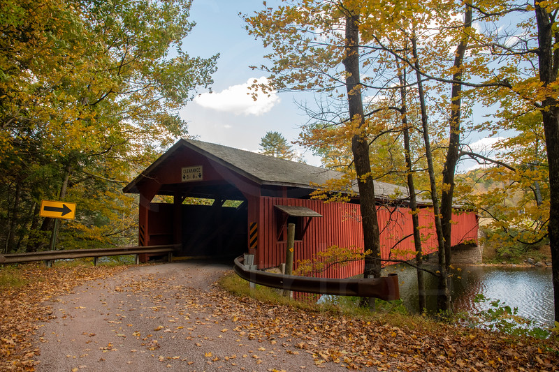 Hillsgrove Covered Bridge1-DSC_7696.jpg