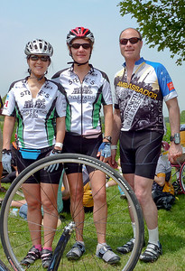 Deidre, Susan, and Barry all training partners during the spring, meeting up at the lunch stop.