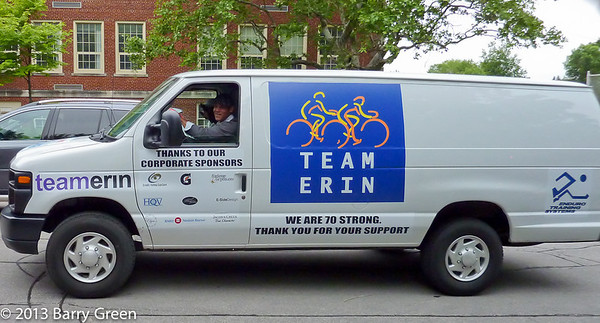 20130607_rtcc_team_erin_2013_pasta_dinner_0056 - Team Van showing our corporate sponsors!