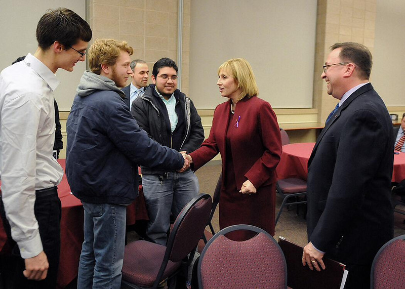 When Assembly Republican leader Jon Bramnick spoke to an audience at Rider on March 5, Lt. Governor Kim Guadagno attended, giving students the opportunity to meet her.