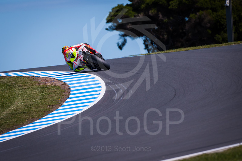 2013-MotoGP-16-Phillip-Island-Friday-0600