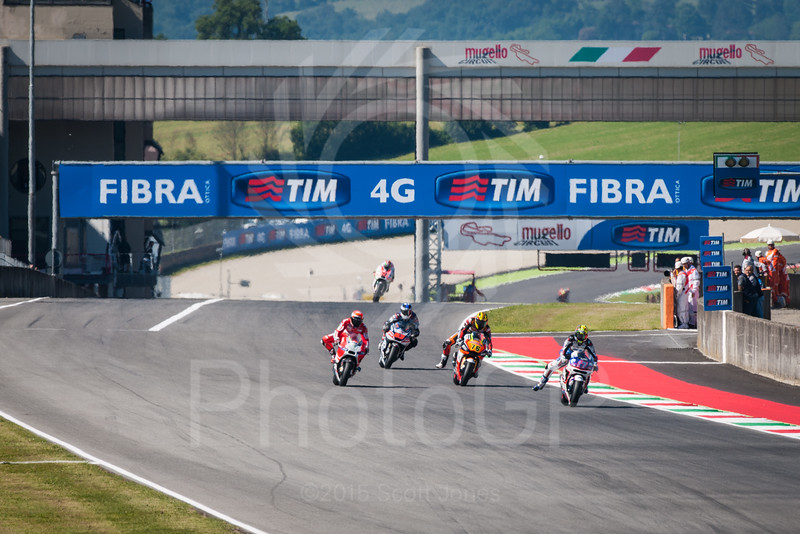 2015-MotoGP-06-Mugello-Friday-0125