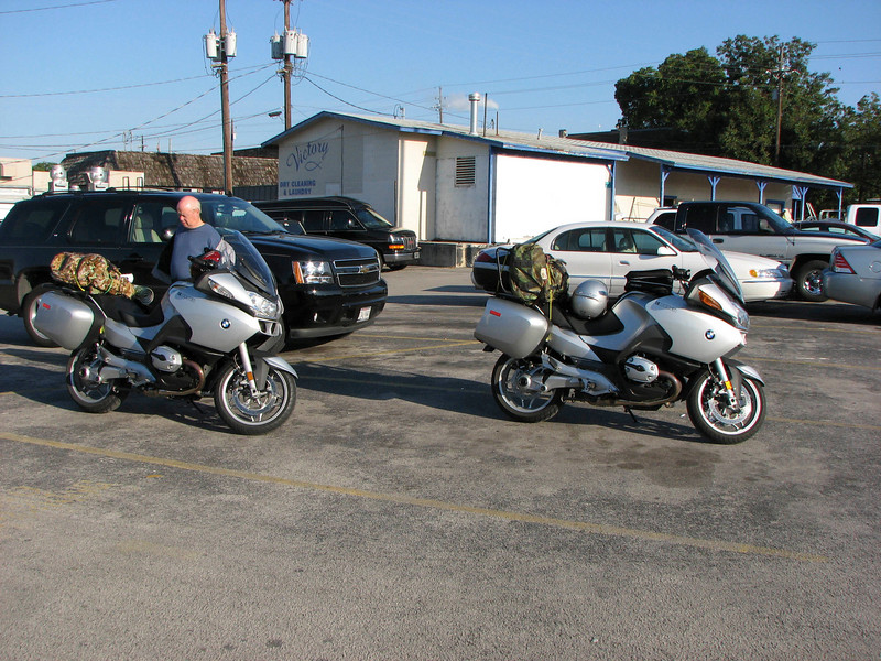 We start out on our journey from Austin to west Texas and Big Bend NP, stopping for breakfast in Marble Falls.