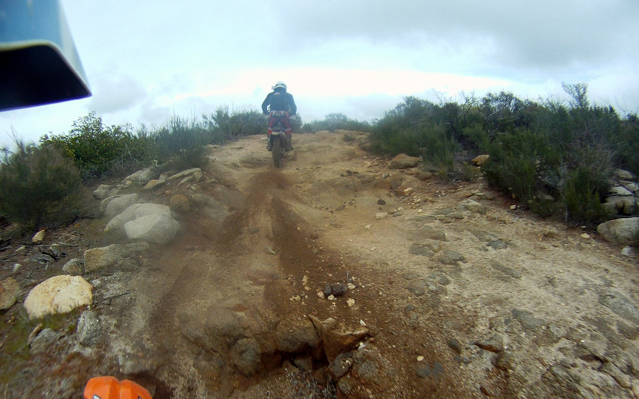 nice rock trails on route to Laguna Hansen