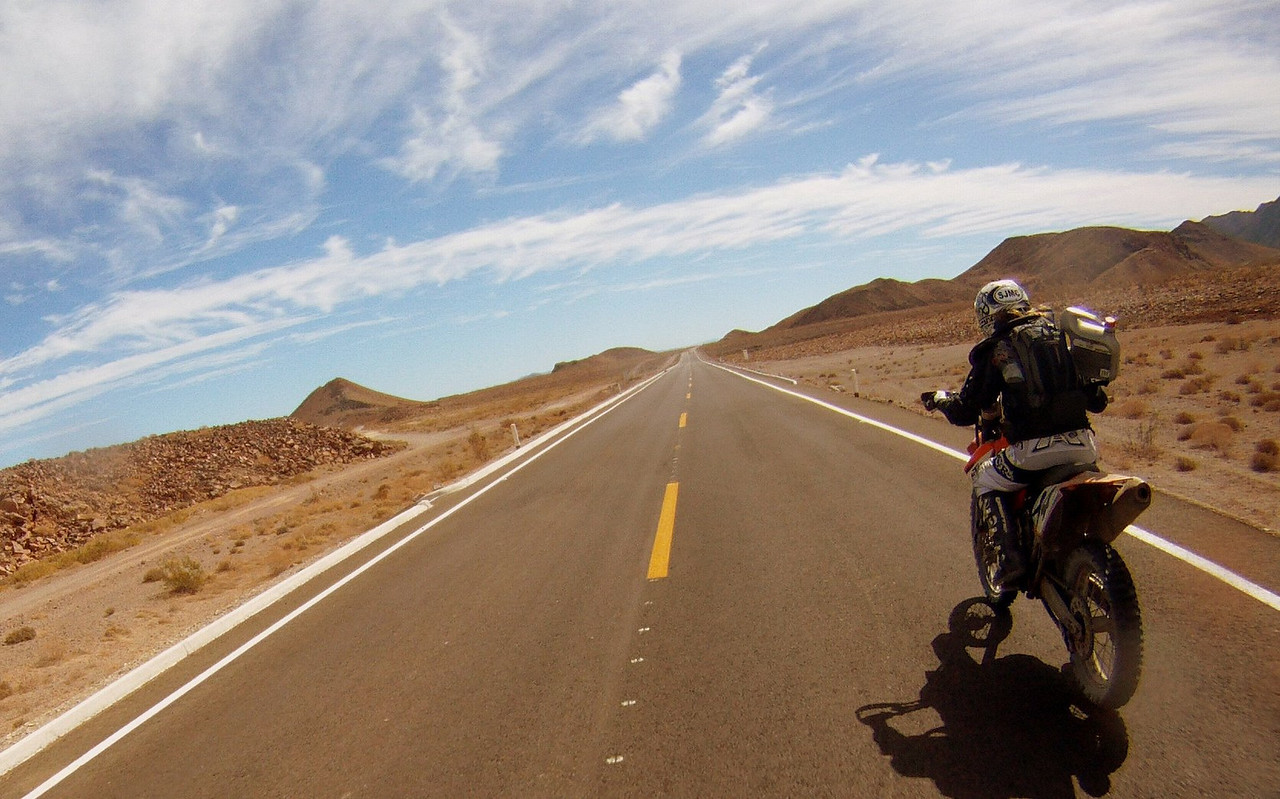 this highway followed the sea of cortez. it came to a sunden end and turned to a boulder ridden road and led us to coco's.