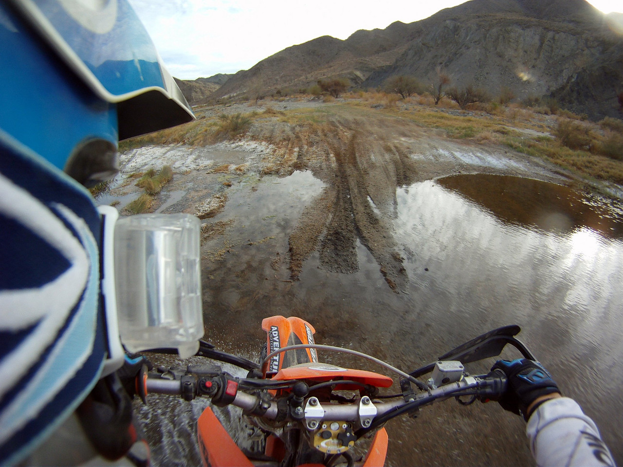 after leaving coco's we rode into this awesome valley. wish I had better pictures of some of the scenery