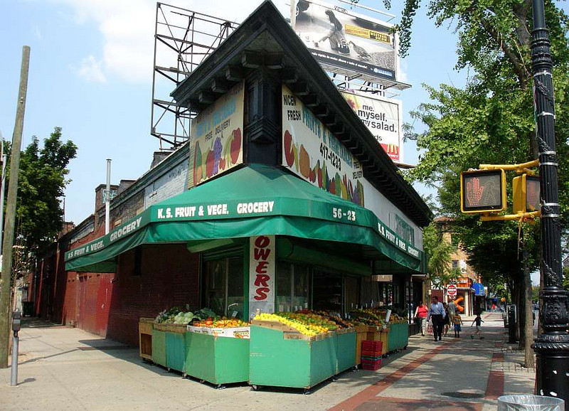K & S Fruit and Veg on Myrtle Avenue. 2005.