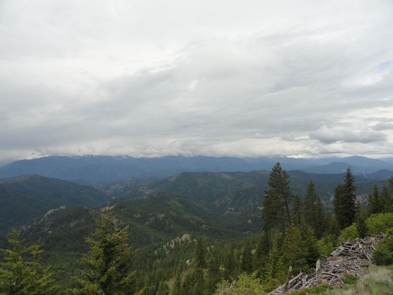 Another view looking toward the Alpine Lakes Wilderness.