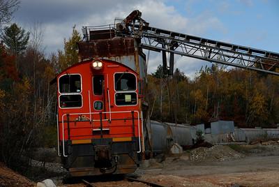 Milford Bennington Railroad - Wilton, NH Loading