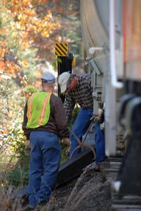 Milford Bennington Railroad - Wilton, NH working to fix the track
