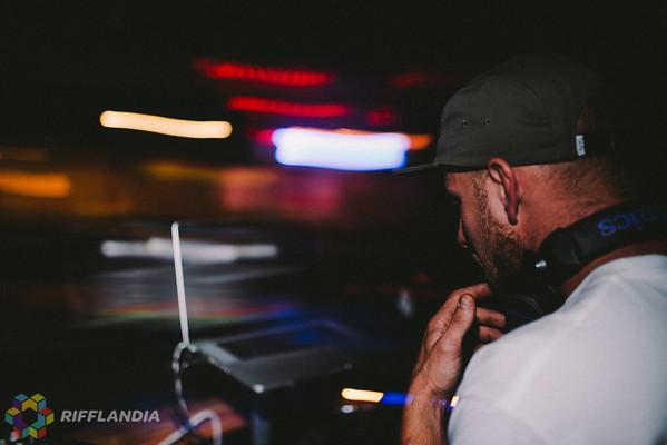 1 (DJ Jetts (2)