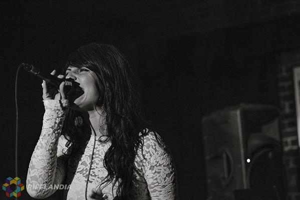 DJ Murge ft. Georgia Murray, The Raven & Ashleigh Eymann |  © Leanne Green www.leannegreenphotography.com