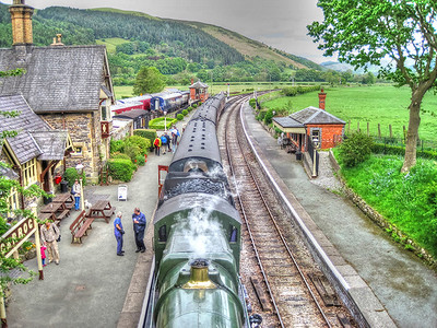 The 14:20 from Llangollen, 2011