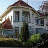 RM011 Hoofdstraat 155  - villa 'Sunbeam'<br /> <br /> Dit woonhuis is in 1910 gebouwd in de zgn. overgangsarchitectuur met art nouveau elementen in opdracht van de bloembollenkweker en -exporteur Jan Wouter Koning Pz. naar ontwerp van de architecten H.J. Jesse en W. Fontein uit Oegstgeest.<br /> <br /> Meer informatie is te vinden in 'Monumenten in Sassenheim', een uitgave van de Stichting Oud Sassenheim.