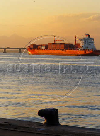 View of Rio's port in Guanabara Bay, Rio de Janeiro, Brazil, may 30, 2011. (AustralFoto/Renzo Gostoli)