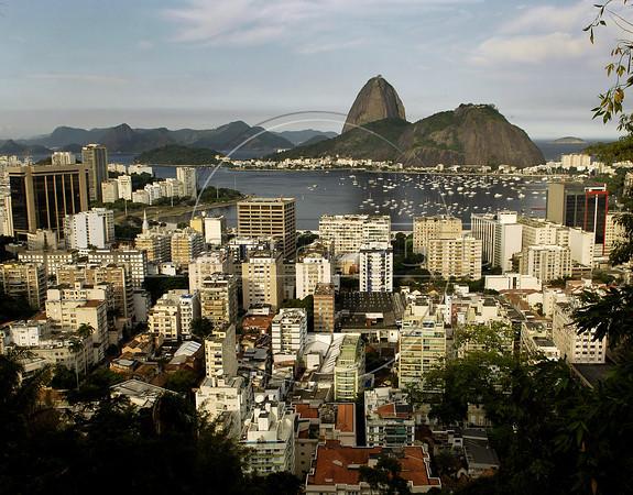 A view of the Botafogo Bay and Sugarloaf mountain, Rio de Janeiro, Brazil, April 23, 2011. (Austral Foto/Renzo Gostoli)