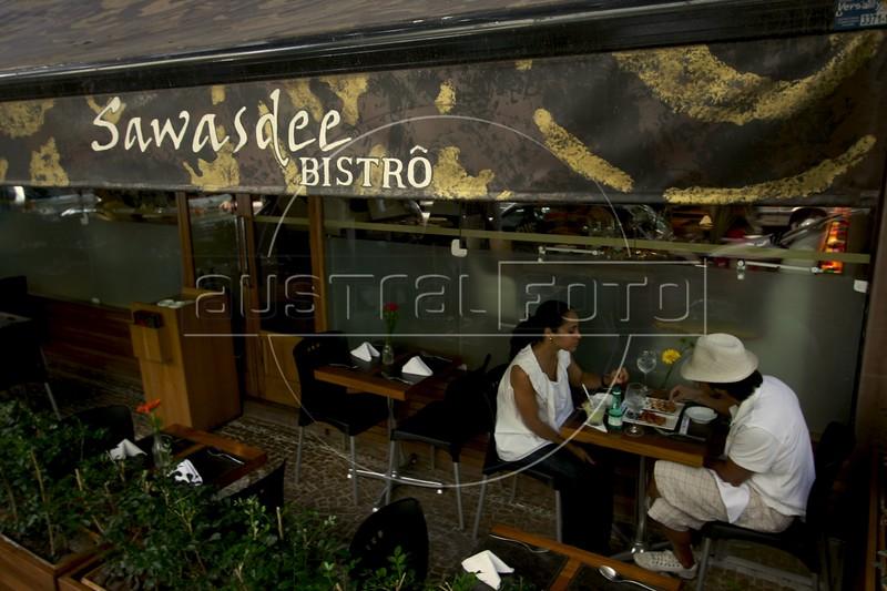 Clients at the Sawasdee Thai restaurant in the Leblon district of Rio de Janeiro, Brazil. (Australfoto/Douglas Engle)