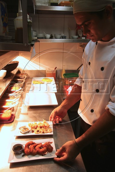 A chef displays creations at the Sawasdee Thai restaurant in the Leblon district of Rio de Janeiro, Brazil. (Australfoto/Douglas Engle)