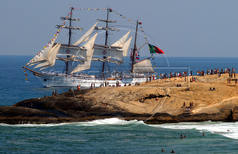 "Sailboat ""Sagres"" of Portuguese Navy takes part in maritime parade to celebrate the Brazil's Independence day in front of Copacabana beach, Rio de Janeiro, Brazil, Sep. 7, 2007.(Australfoto/Renzo Gostoli)"