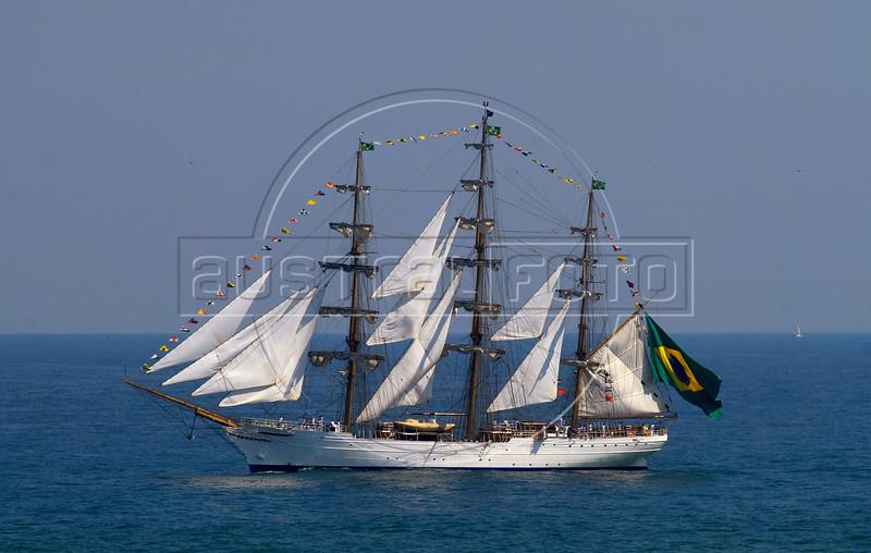"Sailboat ""Cisne Branco""  (White Swan) of Brazilian Navy takes part in maritime parade to celebrate the Brazil's Independence day in front of Copacabana beach, Rio de Janeiro, Brazil, Sep. 7, 2007. (Australfoto/Renzo Gostoli)"