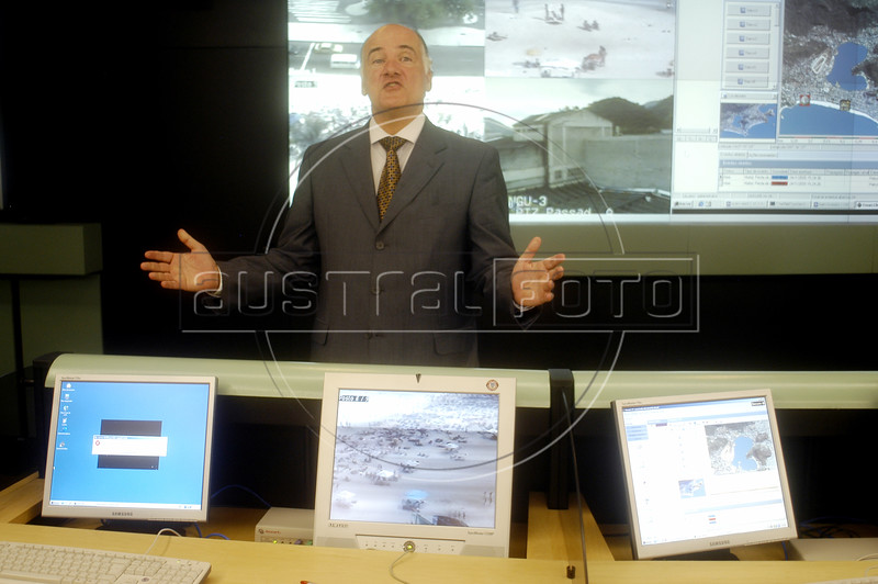Rio de Janeiro State Security Chief Marcelo Itagiba shows of the Rio de Janeiro state Security Command and Control Center in Rio de Janeiro, Jan. 24, 2005. Images from urban security cameras are projected on computer screens at the high-tech center, allowing police agents to monitor and identify crimes. Emergency calls are received and police cars are tracked via satelite at the center and the combination has reduced the response times to crimes say police officials. The center is a new attempt to curb Rio's notorious crime rate and corrupt police.(AustralFoto/Douglas Engle)