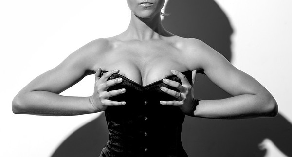 Brooklyn Nude fine art corset photography by Aaron Paul Rogers in NYC.