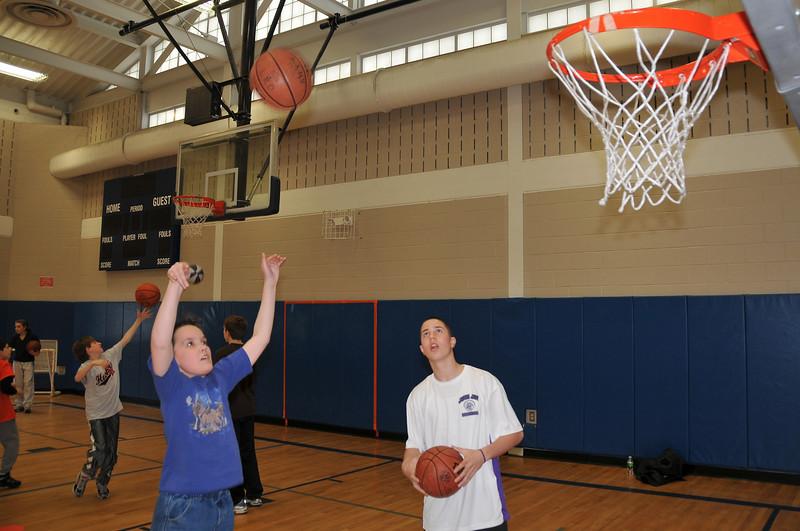 RisingStars_02-13-2010_Basketball_14