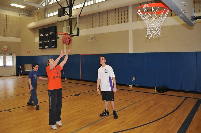 RisingStars_02-13-2010_Basketball_03