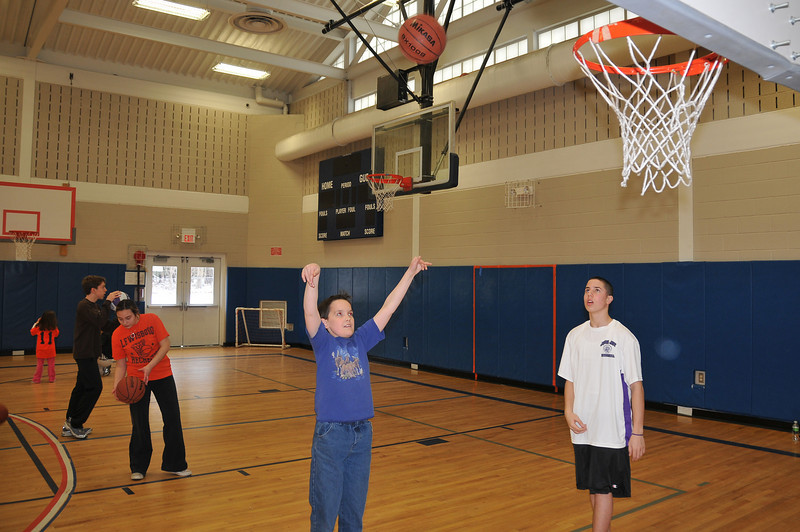 RisingStars_02-13-2010_Basketball_04