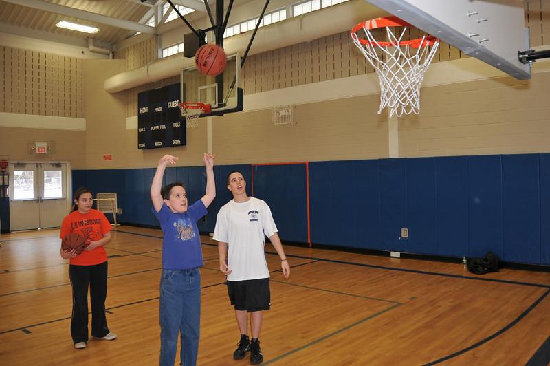 RisingStars_02-13-2010_Basketball_02