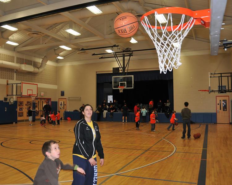 RisingStars_01-30-2010_Basketball_N085