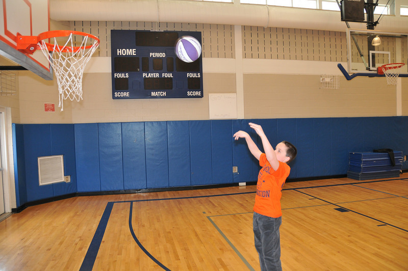 Basketball_03-01-08_P253