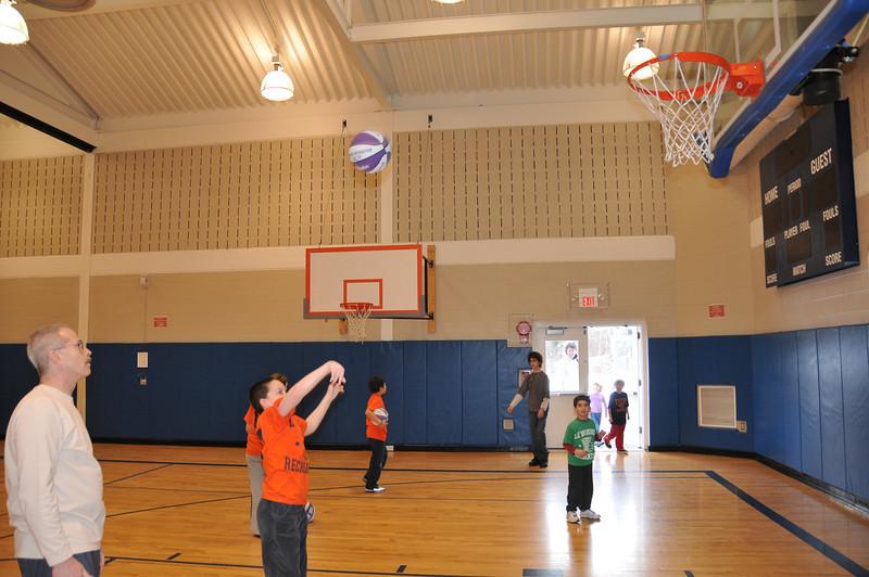 Basketball_03-01-08_P304