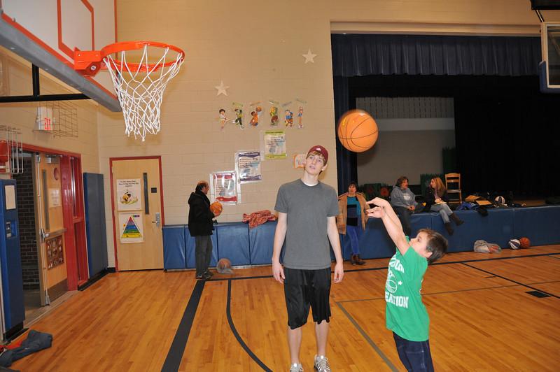 Basketball_03-01-08_P245