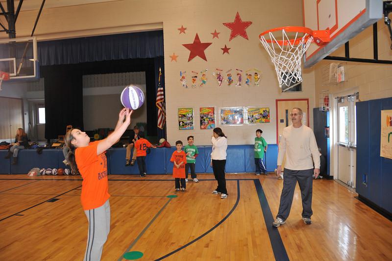 Basketball_03-01-08_P198