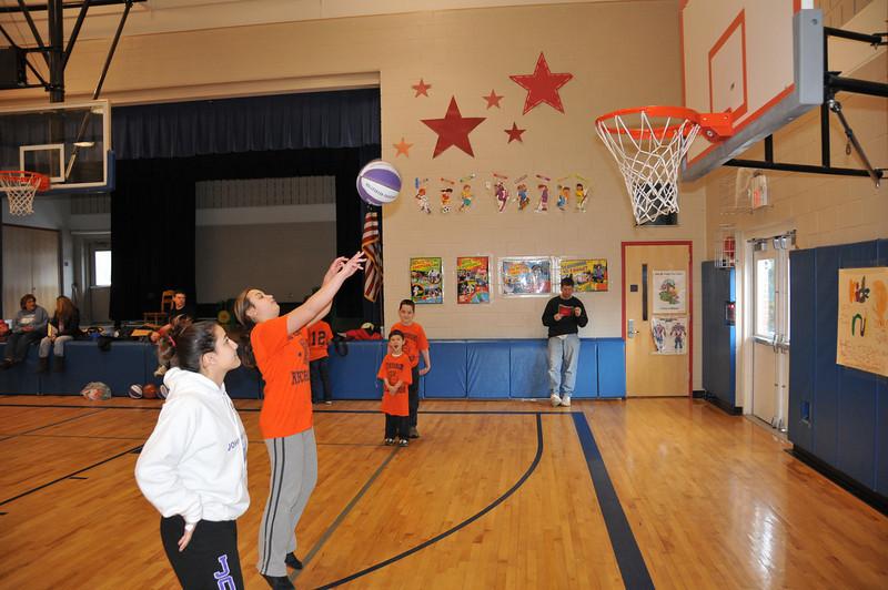 Basketball_03-01-08_P218