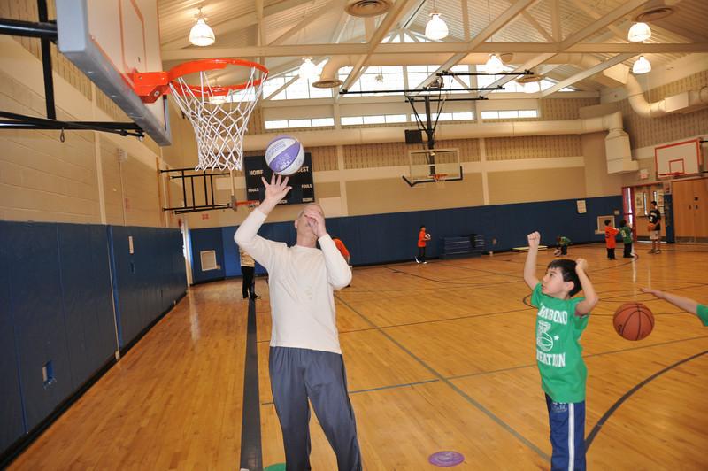 Basketball_03-01-08_P099