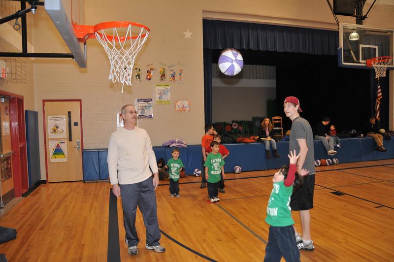 Basketball_03-01-08_P181